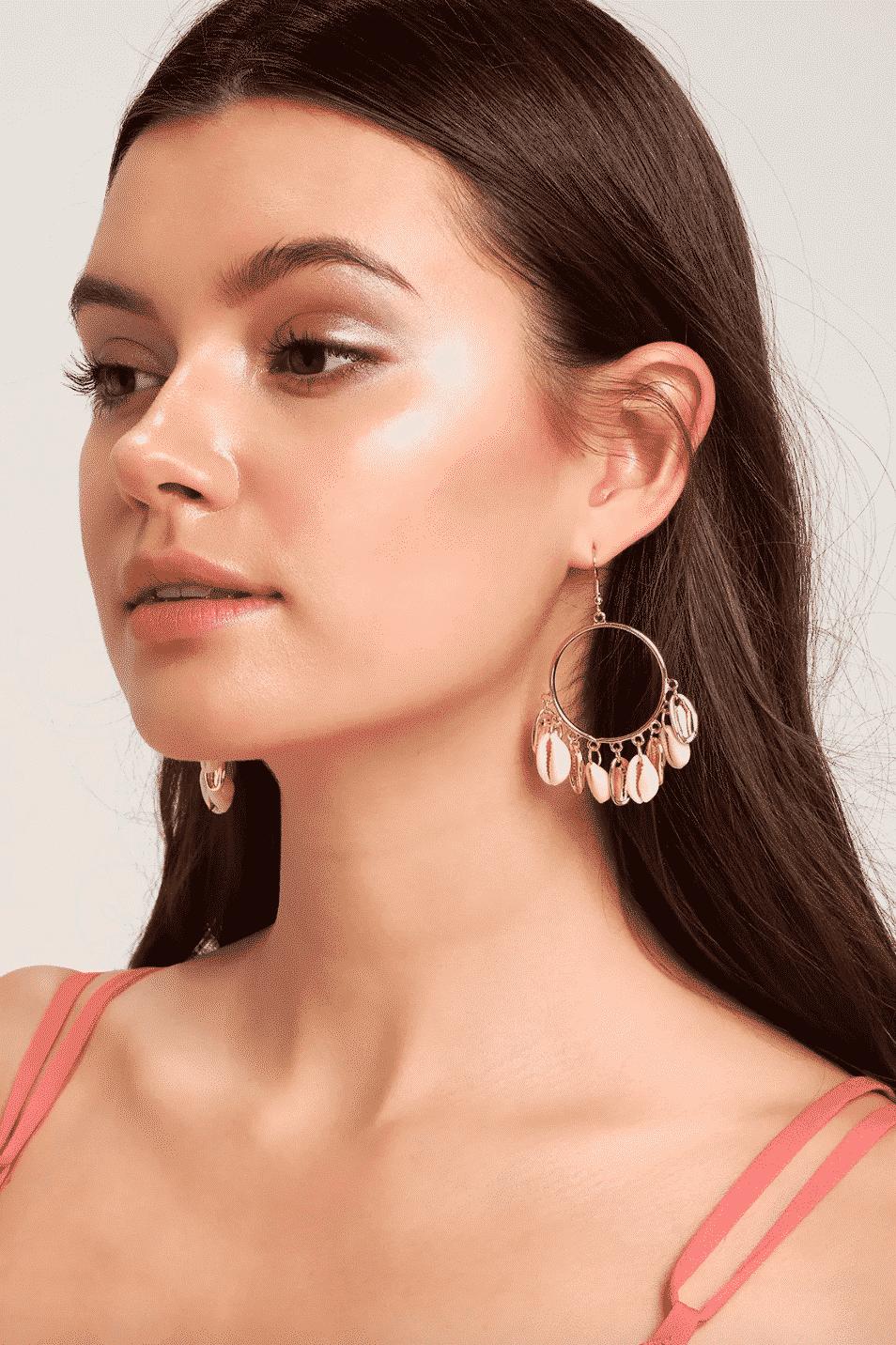 Shell earrings - spring 2019 jewelry trends