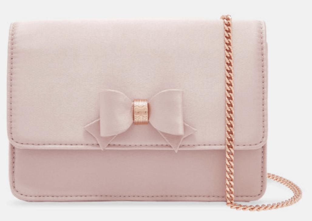 Pink bow handbag for spring