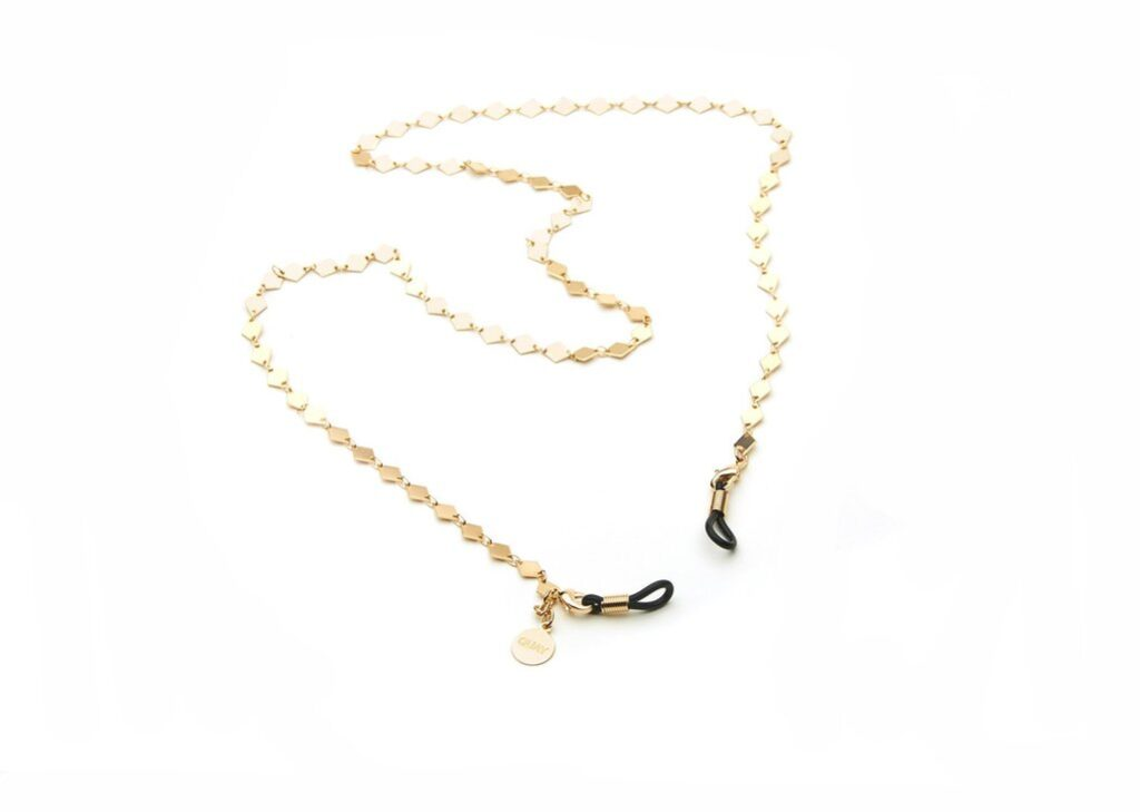 Gold sunglasses chain from the Quay collaboration with Jaclyn Hill