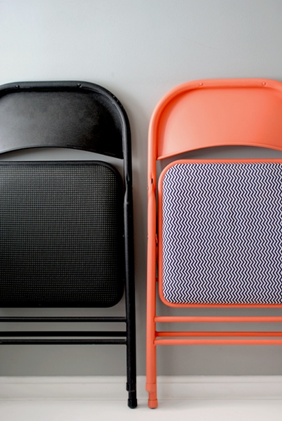 DIY seating tutorials - black metal folding chair next to orange folding chair