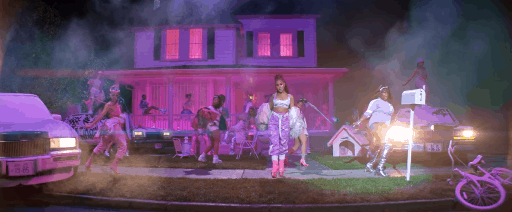Ariana Grande 7 rings outfit
