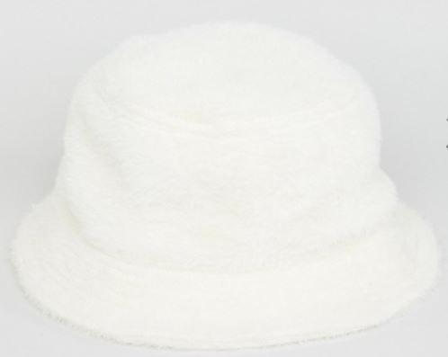 Headwear trends for spring and fall - Fluffy white hat