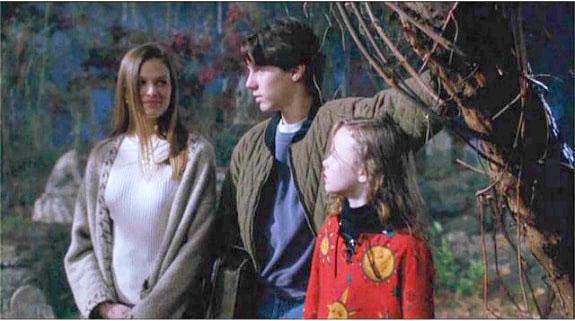 Max, Dani, and Allison from Hocus Pocus