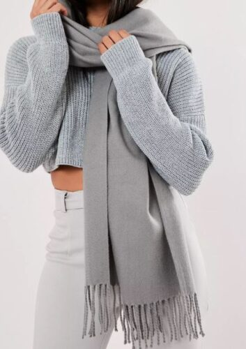 Missguided gray blanket scarf