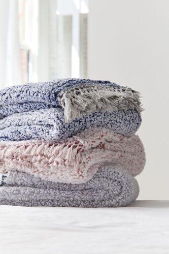 Pisces gift ideas - cozy throw blanket