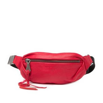 2010s fashion: Fanny pack