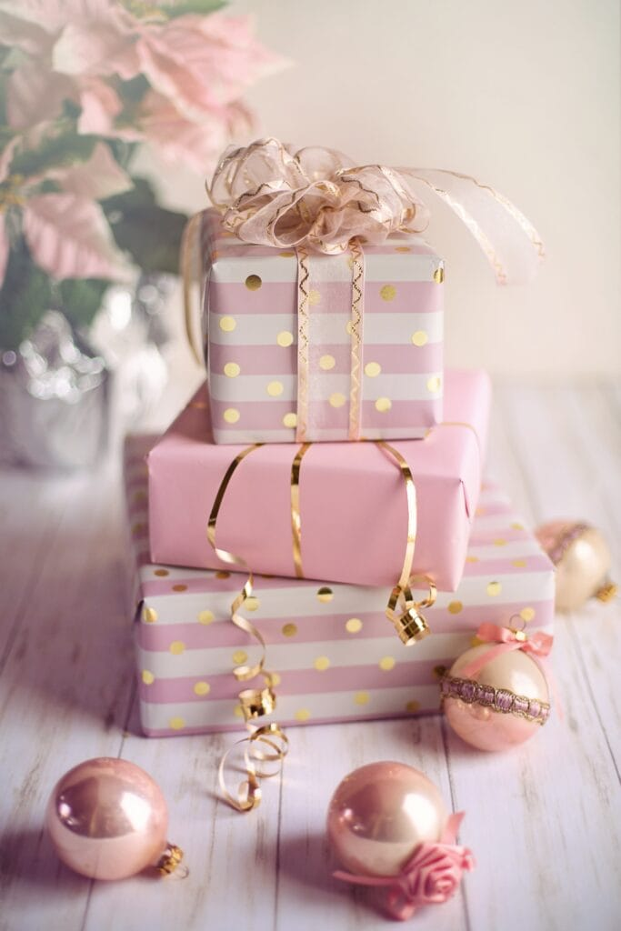 Gift wrapping ideas - stack of presents and ornaments