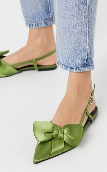 Light green satin shoes.