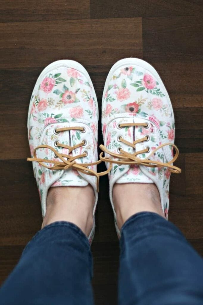 floral patterned sneakers with cord laces