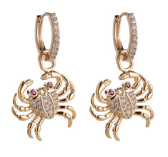 Jewelry trends 2020 - animal jewelry. Example of crab earrings.