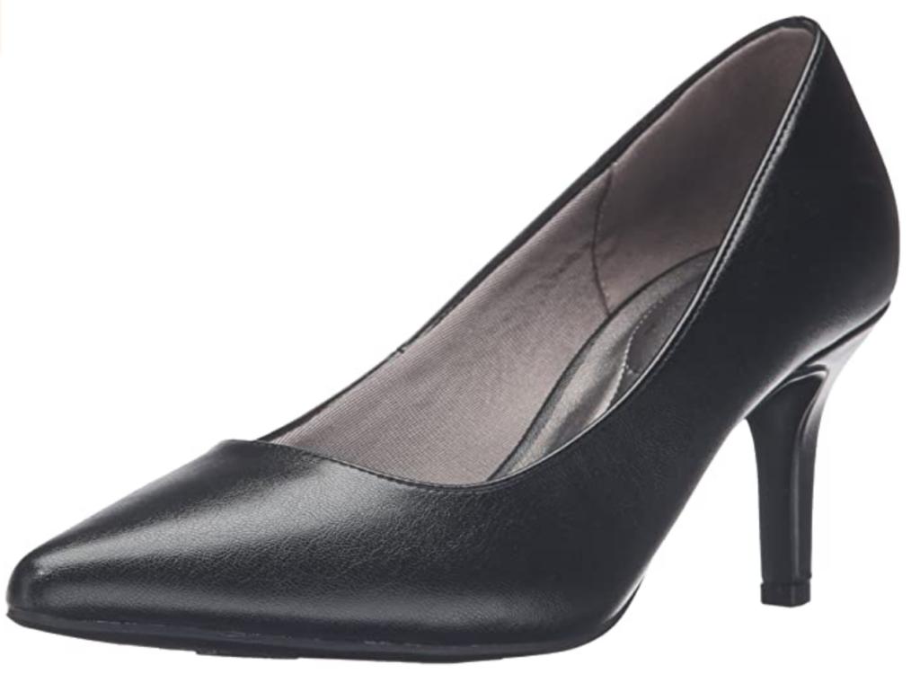 Low heel lifestride black pumps
