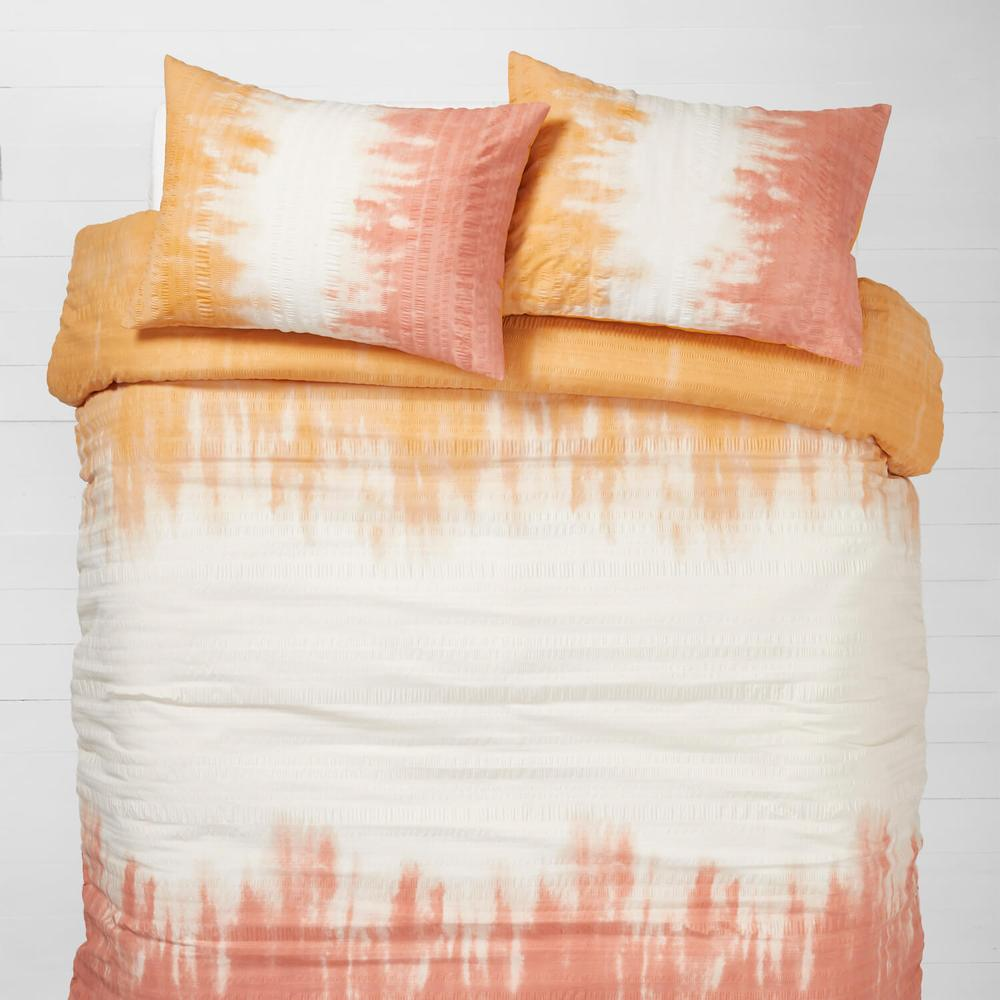 Dip dye peach and orange bedding from Dormify
