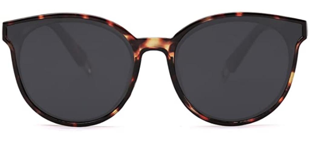 Oversized tortoiseshell sunglasses in a round shape