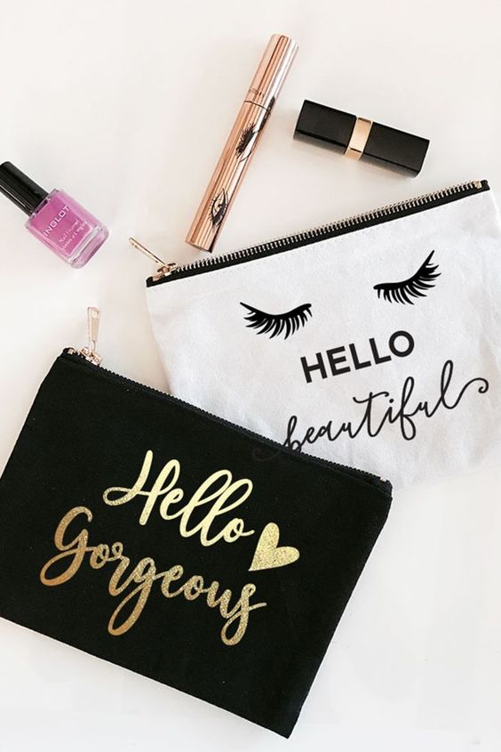 Cute makeup bags - roundup of the best makeup bags for young women in college