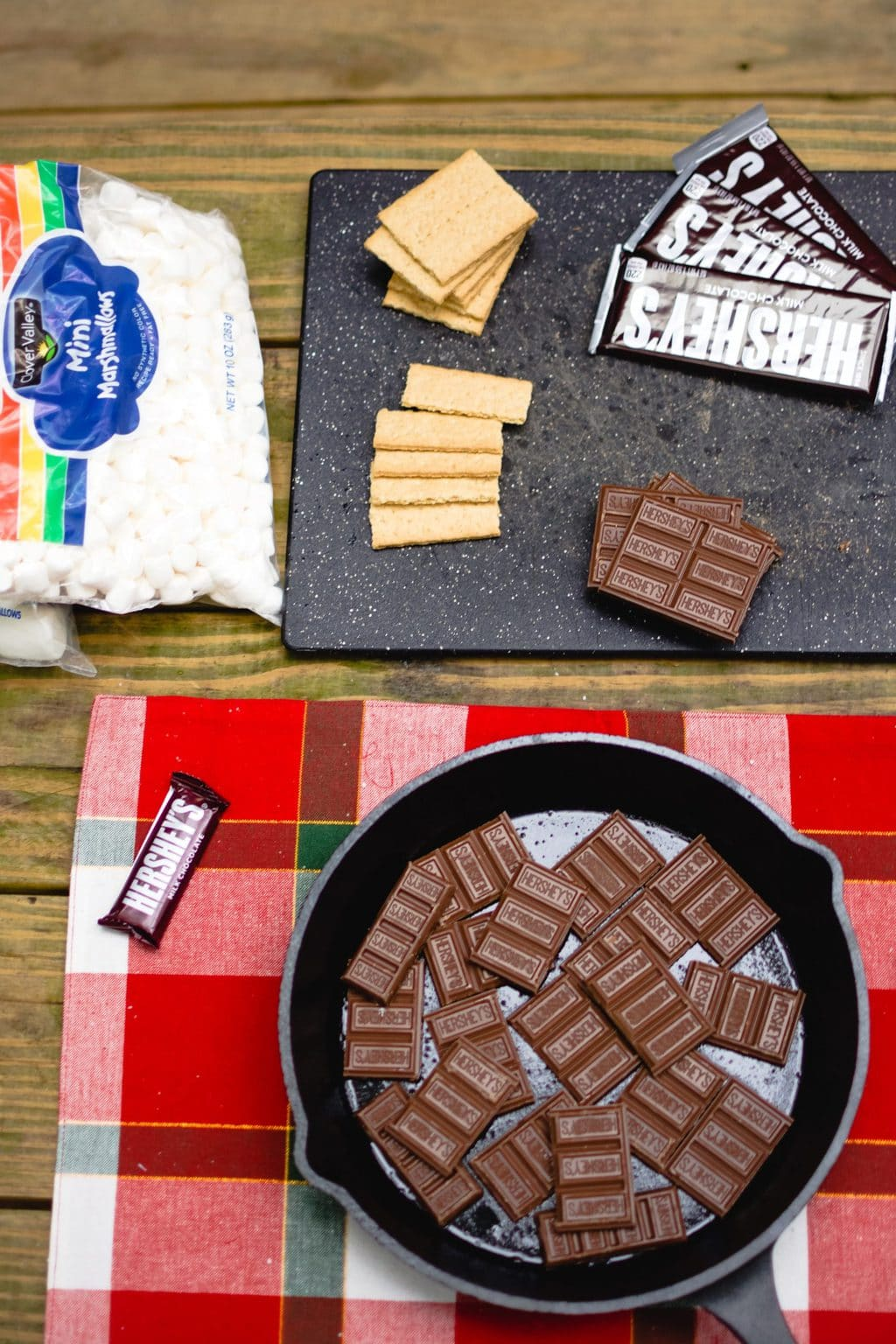 at home date ideas s'mores layout on table source: andreadavis from Pexels