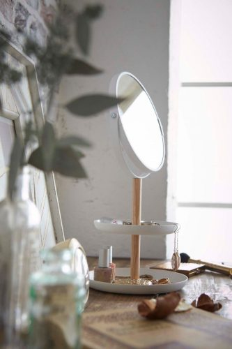 Makeup mirror and jewelry tray from Yamazaki Home | Dorm organization tips for college