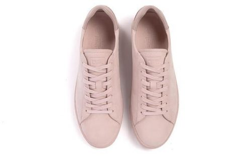 Earth tone fashion guide: Pale pink shoes