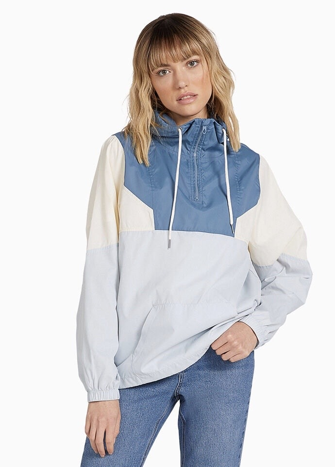 Fall jackets 2020: Product photo of a PacSun windbreaker
