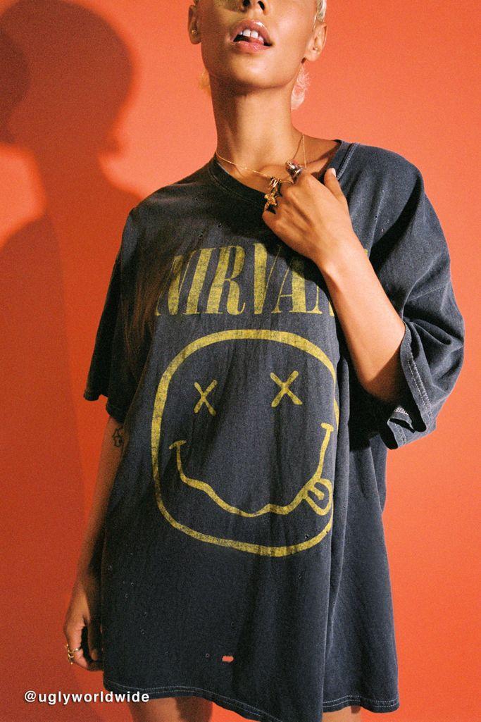 Edgy style basics: Nirvana graphic tee