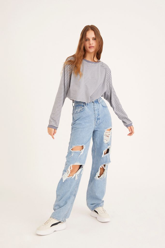 2021 trends: baggy, distressed jeans from Urban Outfitters