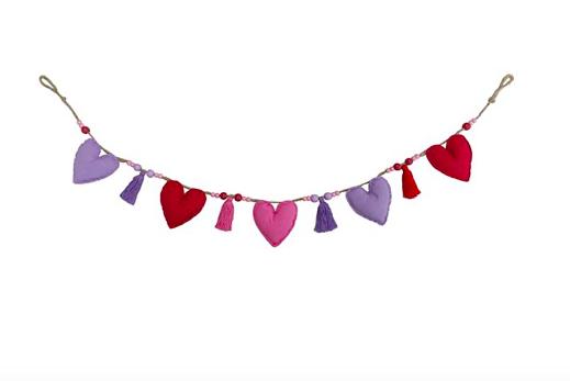 Galentine's Day 2021 decor: Heart garland