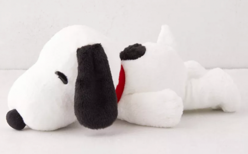 Valentine's Day gift ideas 2021 - Snoopy heatable plushie from Urban Outfitters