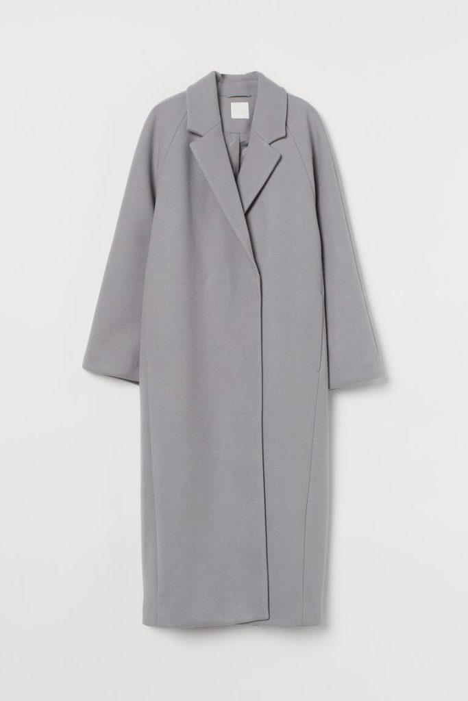 Grey calf-length coat, color trends 2021