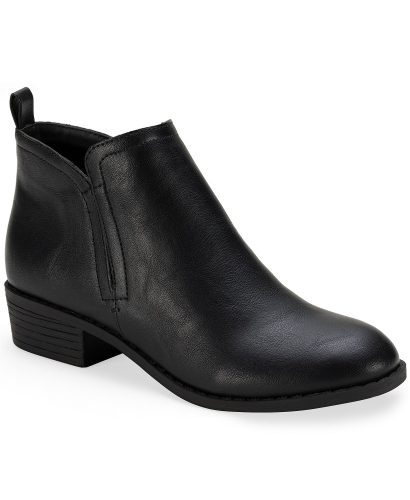 Comfortable shoes for winter: Black ankle boot from Macys.