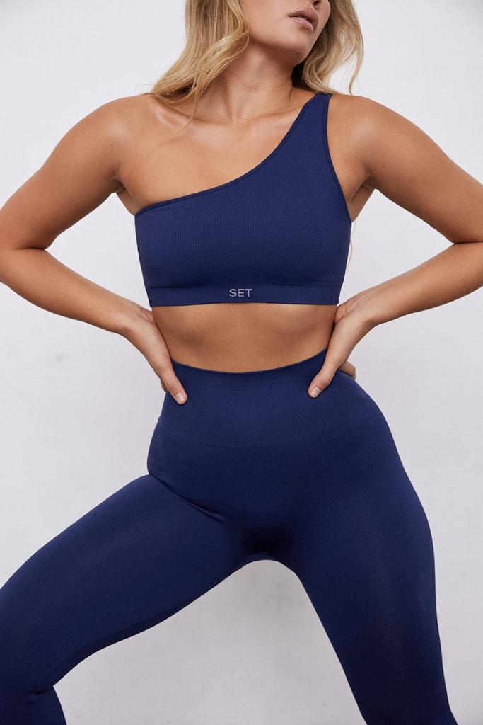 Set Active One-shoulder sports bra and legging set