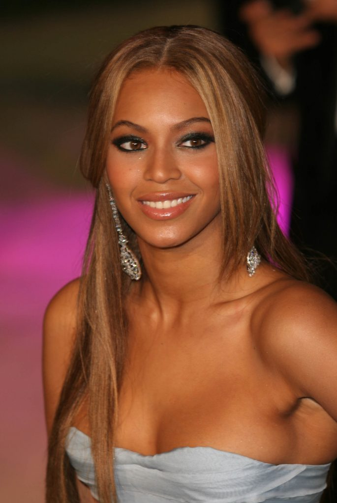 Beyonce at a Vanity Fair party in 2005