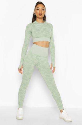 Boohoo light green workout set with long sleeves and high waist