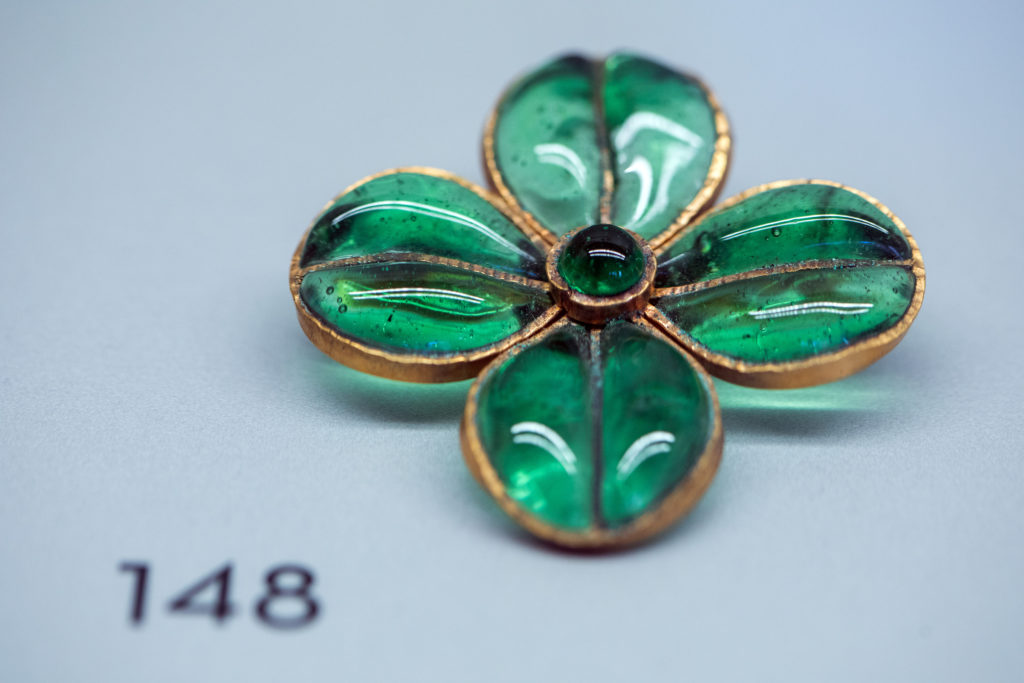 Chanel brooch in emerald