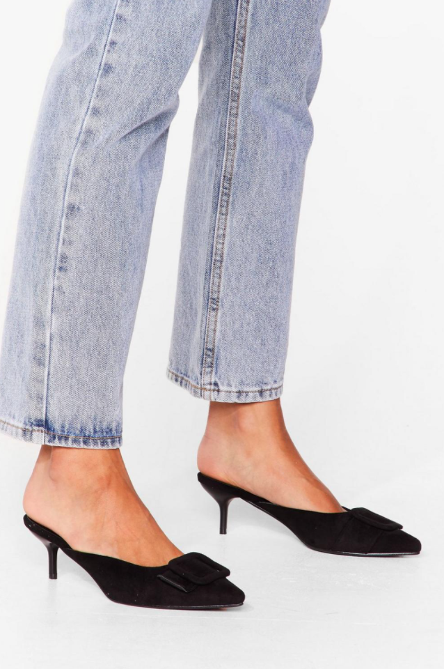 Outdated fashion trends 2021: Kitten heels