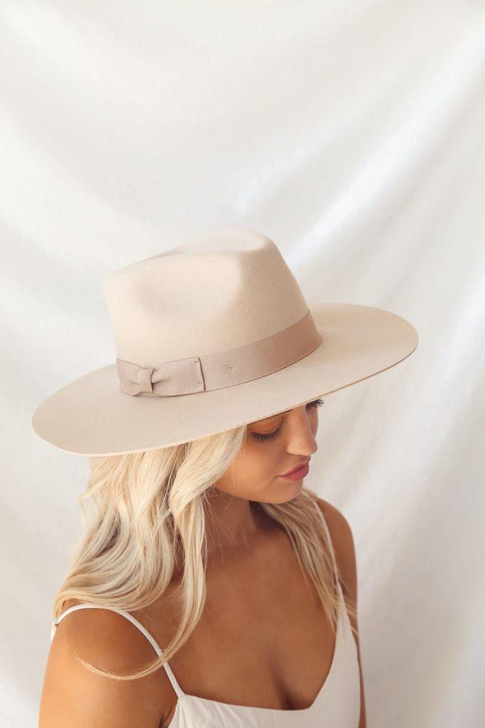 Lulus beige fedora hat