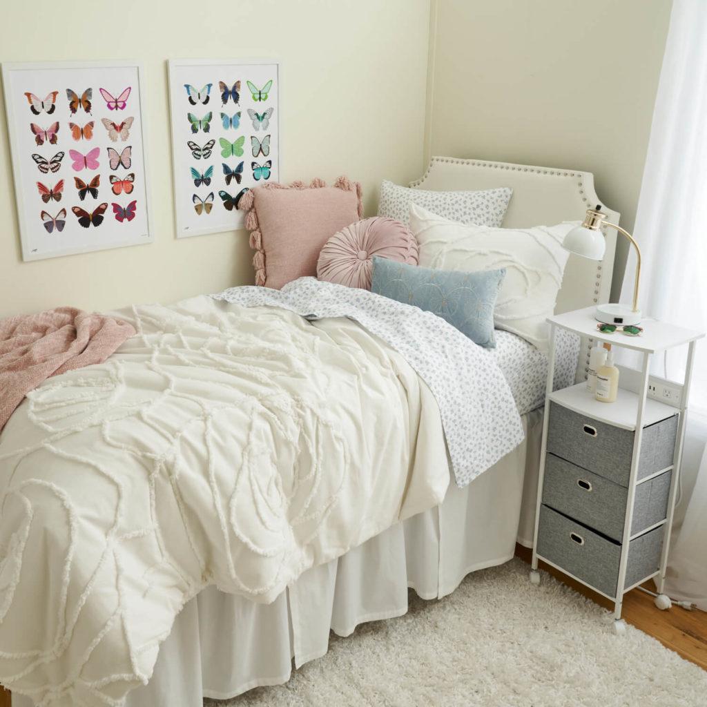 How to Choose a Dorm Color Scheme (Plus 15+ Examples!)